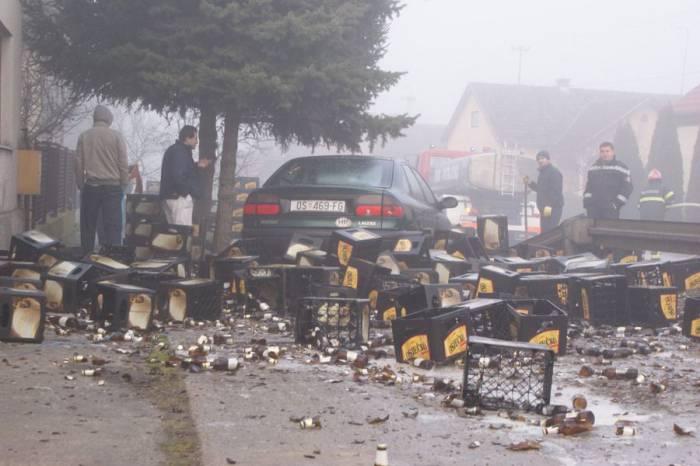 10 000 бутылок разбитого пива (11 фото)