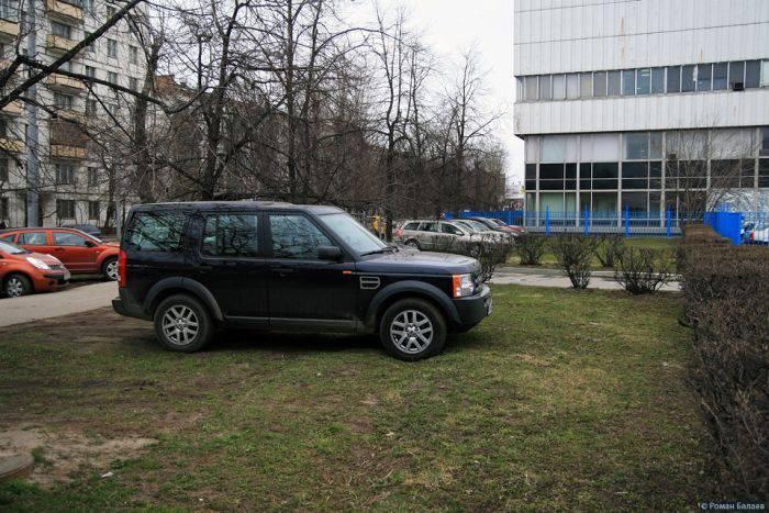 Как паркуются в Москве (31 фото)