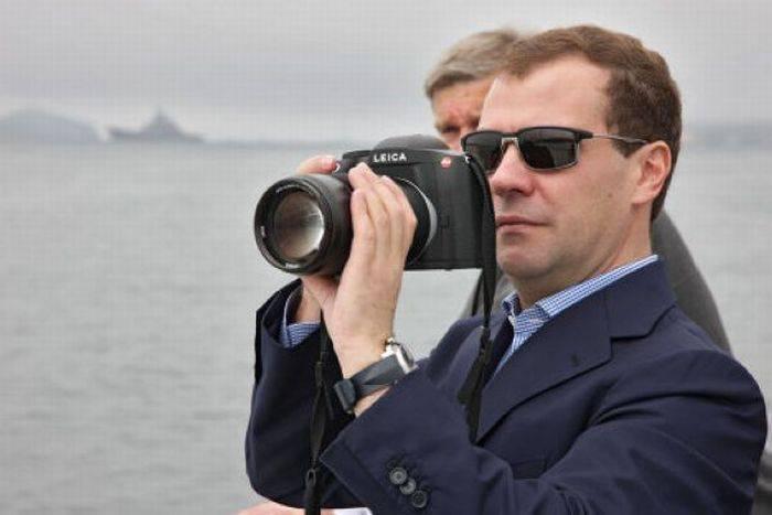 Сколько стоят фотоаппараты Медведева