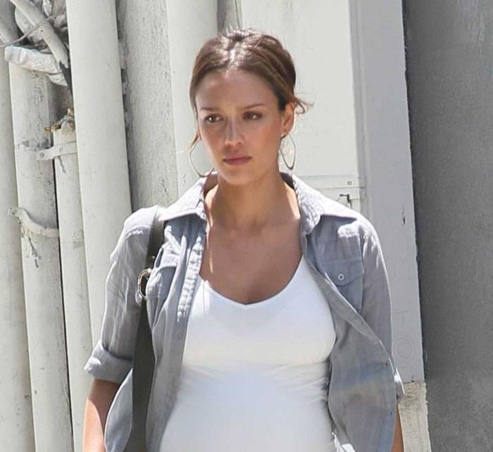Беременная Джессика Альба (9 фото)