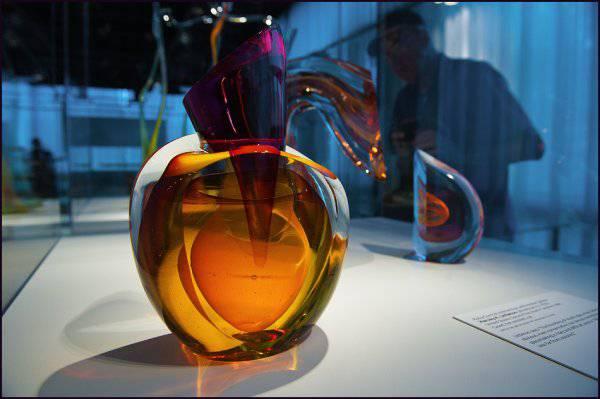 Музей стекла в Нью-Йорке (22 фото)