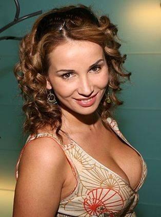 10 самых сексуальных телеведущих России (10 фото)