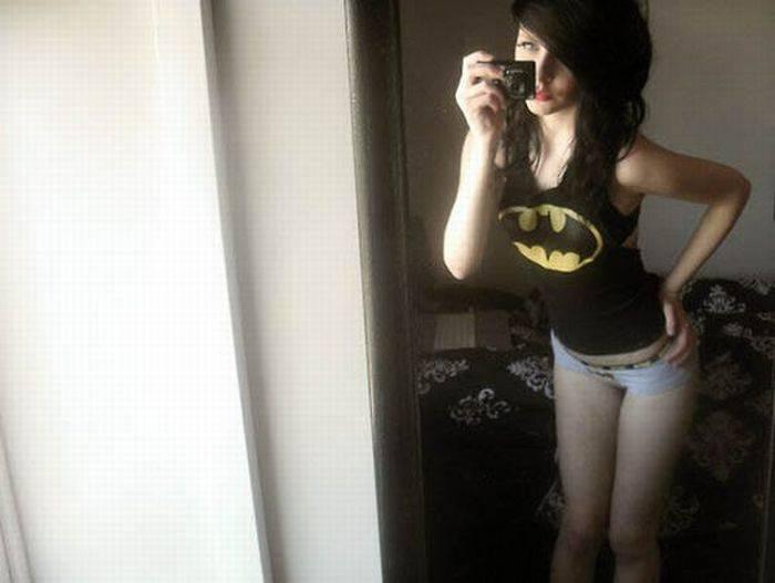 Девушки в супергеройском белье