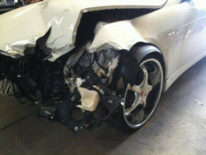 Реставрация BMW после аварии (21 фото)