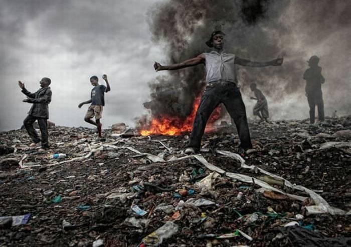 Свалка Мозамбика (18 фото)