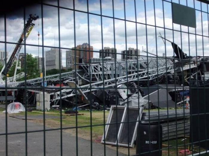 В Канаде на фестивале обрушились конструкции
