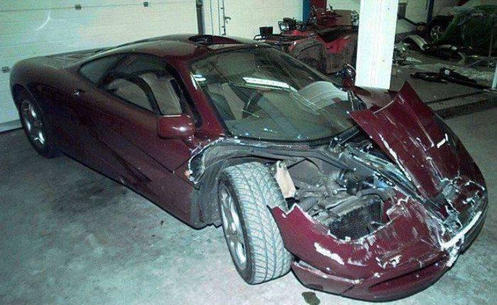 Мистер Бин разбил автомобиль (6 фото)