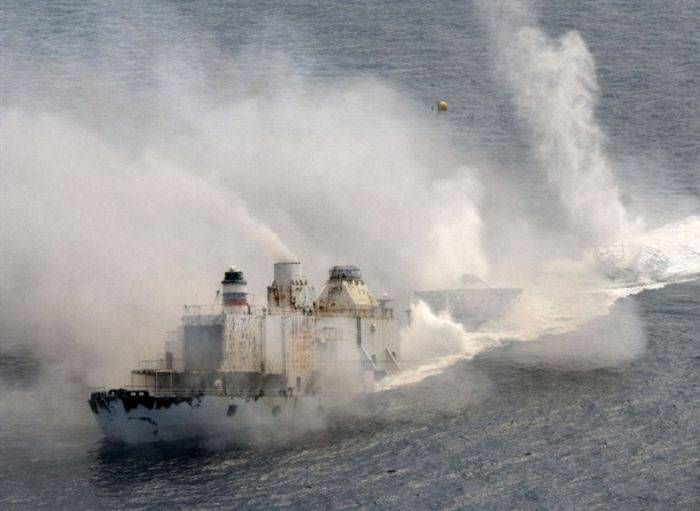 Затонувший фрегат стал подводным рифом