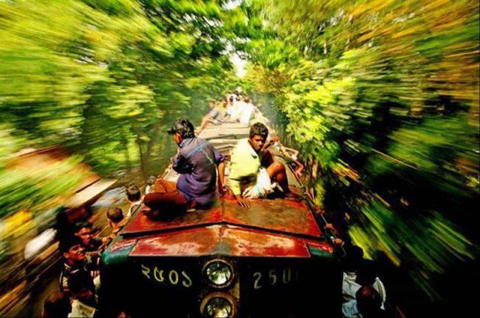 Поезда в Бангладеше (20 фото)