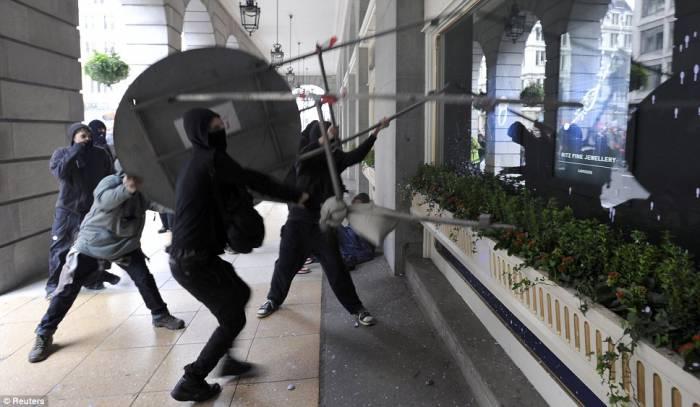 Беспорядки на севере Лондона (20 фото)