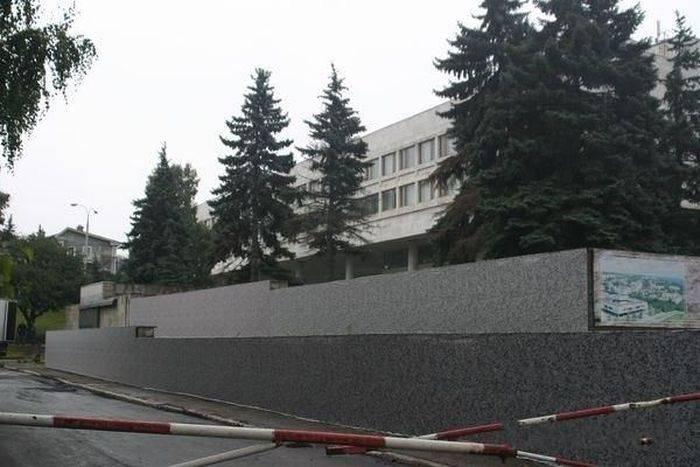 Город прикрывают к приезду президента (3 фото)