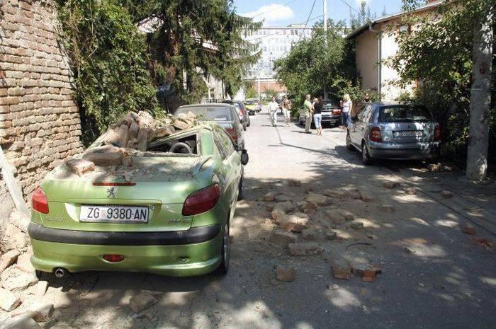 Происшествие на парковке (7 фото)