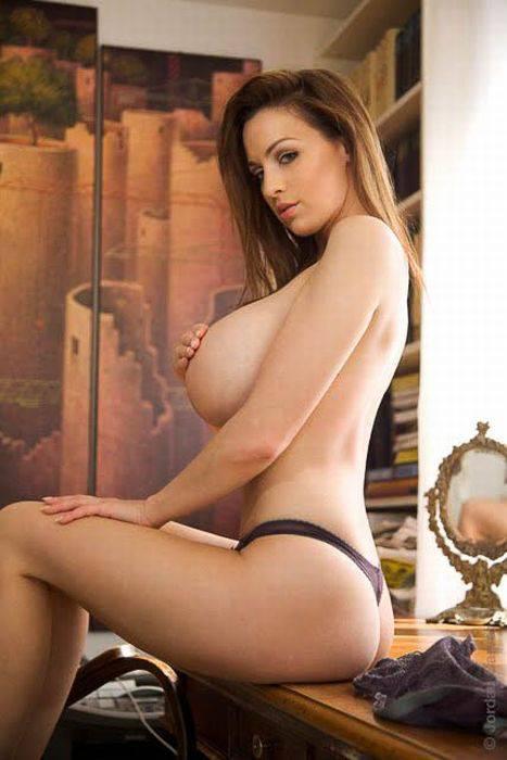 модель с огромной грудью jordan carver видео порно