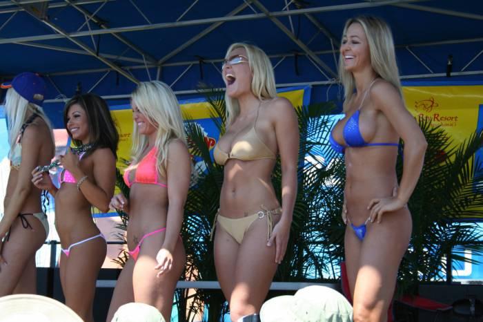 Конкурс бикини (70 фото)
