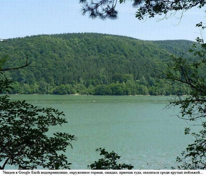 Свалка на озере в Закарпатье (16 фото)