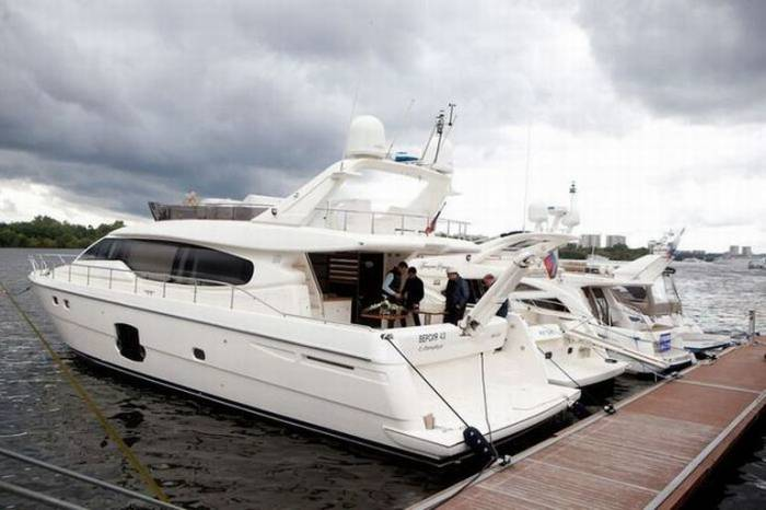 Ярмарка Millionaire Boat Show 2011 (50 фото)