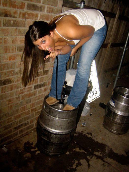 Девушки тоже любят пиво