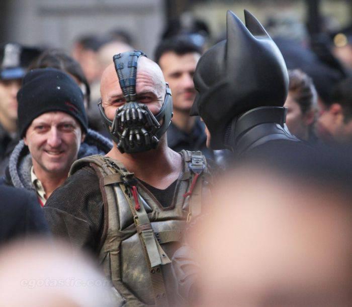 Съемки нового фильма про Бэтмена на улицах Нью-Йорка (27 фото)