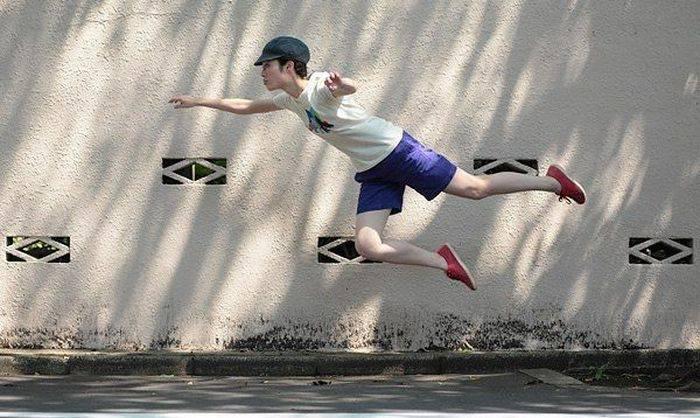 Летающая девушка (22 фото)