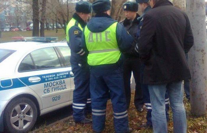 Авария с участием сотрудников ДПС (4 фото)