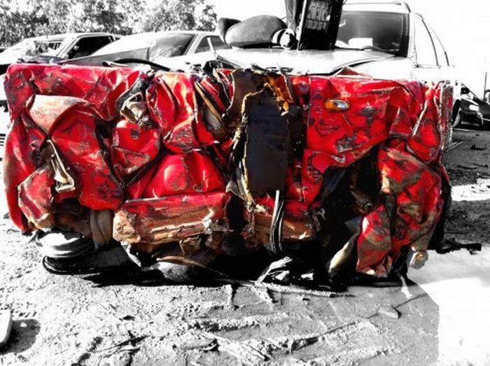 Для тех, кто разбил Ferrari (12 фото)