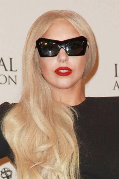 Экстравагантный наряд Леди Гага (9 фото)