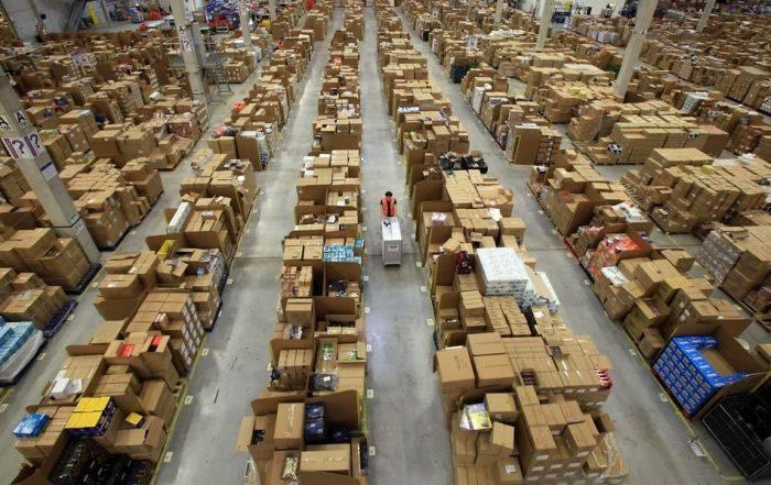 Склад интернет магазина Amazon