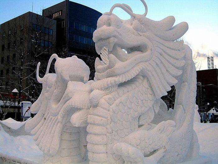 Красивые скульптуры из снега