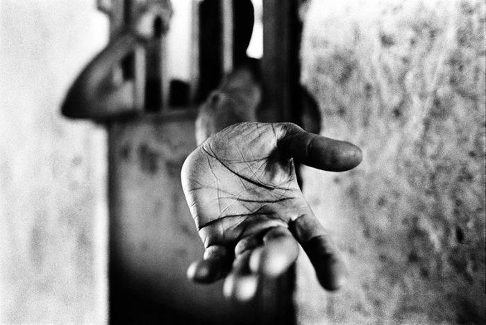 Жуткие фото тюрем и больниц в Сьерра-Леоне (63 фото)