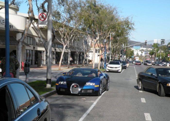 Пассажир шикарного Bugatti Veyron (10 фото)
