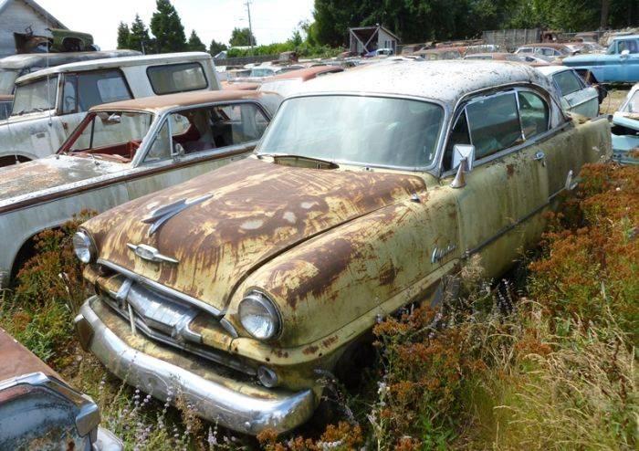 Огромное автомобильное кладбище (99 фото)
