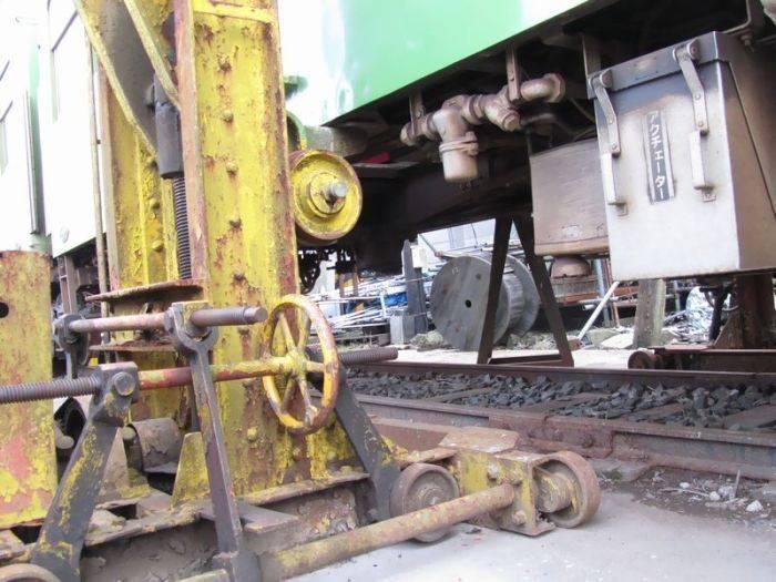 Опасный унитаз в китайском поезде (5 фото)