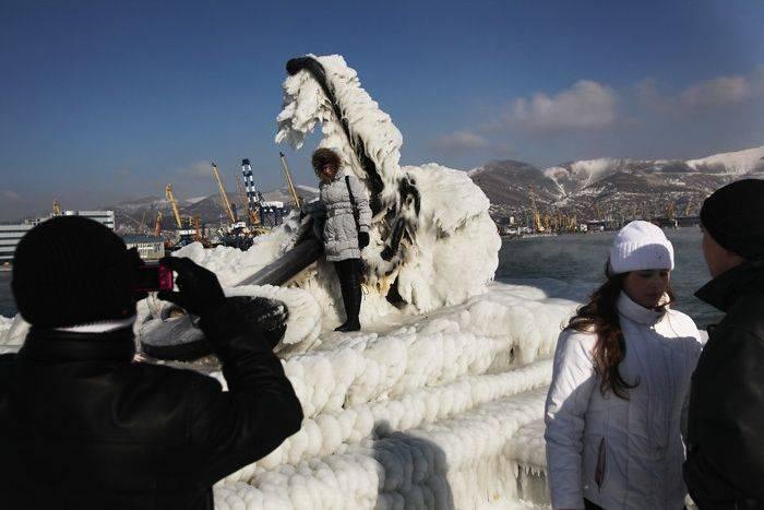 В Новороссийске и Ялте - ледяной апокалипсис (73 фото)
