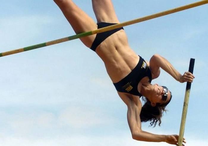 Соблазнительные спортивные девушки (33 фото)