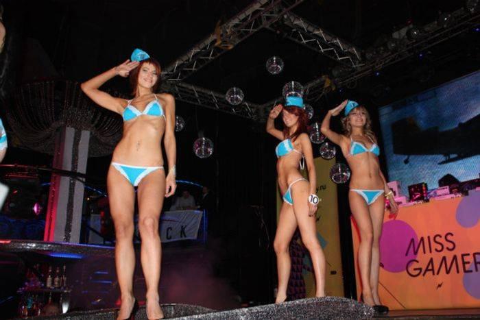 Девушки с конкурса Miss Gamer (23 фото)