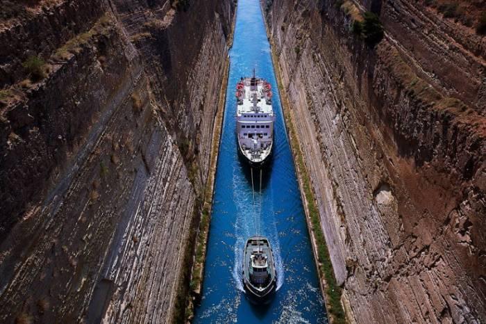 Уникальный Коринфский канал (11 фото)