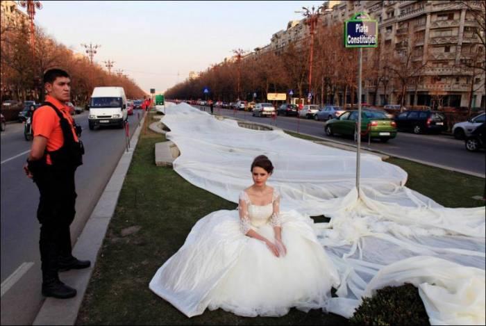 Свадебное платье с самым длинным шлейфом в мире