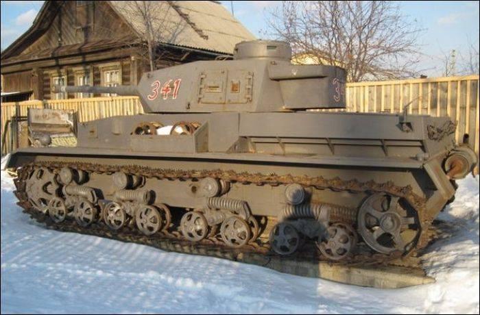 Житель Свердловской области построил танк своими руками (12 фото)