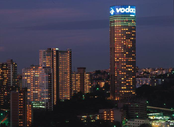 Понте Сити  - самый высокий жилой дом в Африке (15 фото)