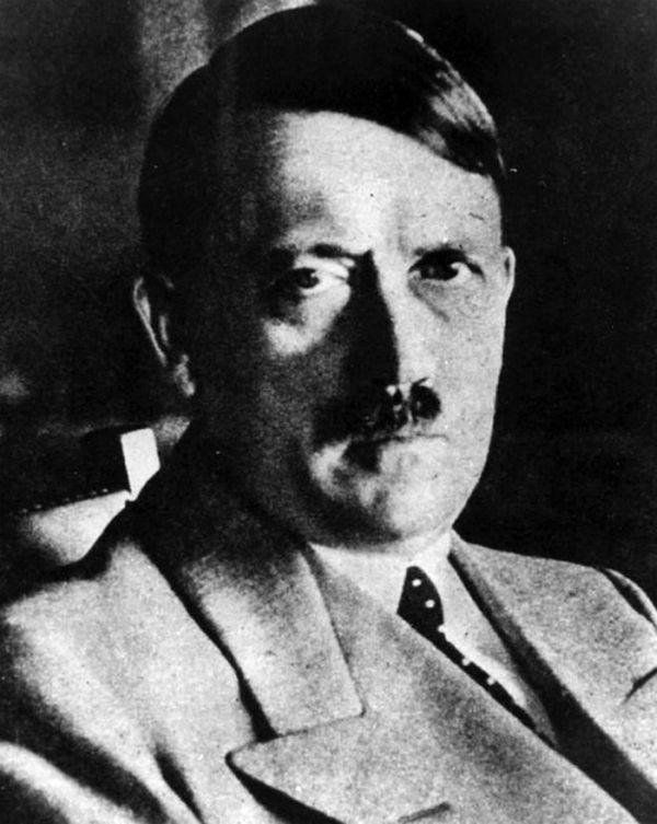 Как мог замаскироваться Гитлер (5 фото)