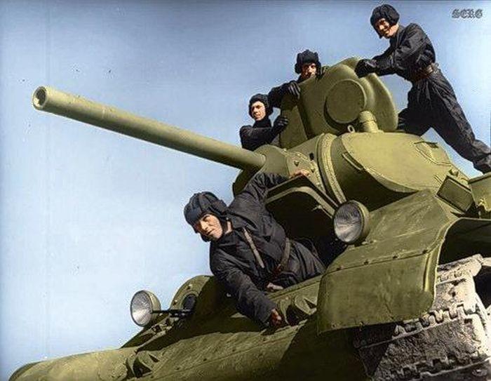 Архивные фото советских солдат в Великую Отечественную Войну (53 фото)