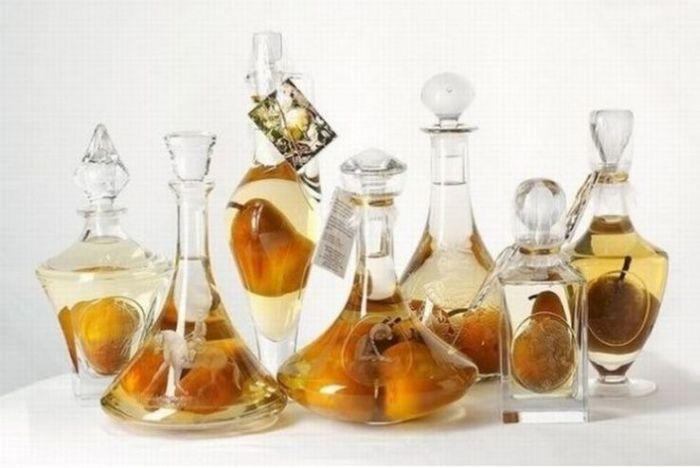 Фрукты в бутылке (8 фото)