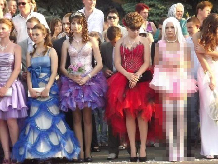 Очередной вариант выпускного платья