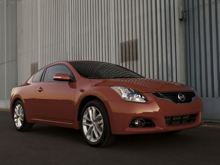 Nissan Altima Coupe (2010)