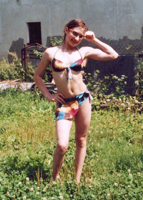 Самая маленькая девочка в мире стала первоклассницей (18 фото) .