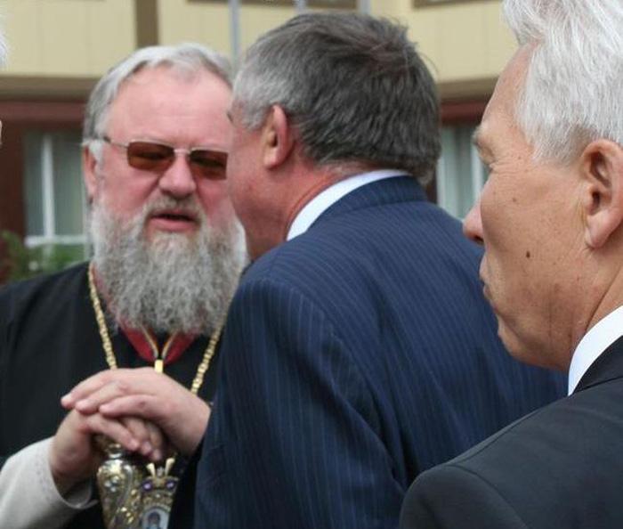 Митрополит Донецкий и Мариупольский Иларион с часиками за 150 тысяч евро (5 ...