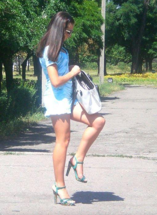 Русские женщины в мини юбках фото