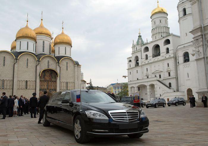 ГИБДД Москвы не смогло опознать кортеж президента (4 фото)