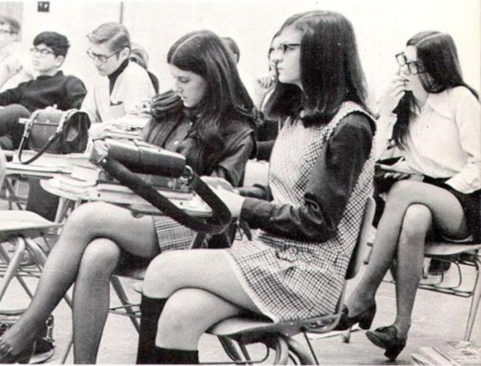 Ностальгия! Мини юбки из прошлого (11 фото)