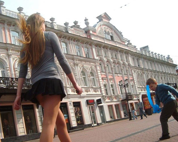 Лето, ветер, мини-юбки... (29 фото)